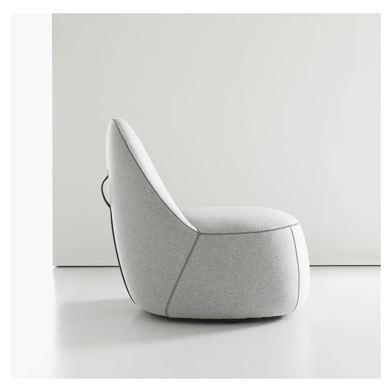 Genial MITT LOUNGE CHAIR